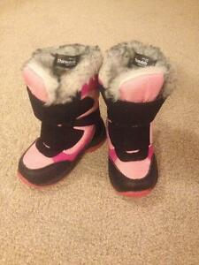 Excellent condition Joe Fresh Thinsulate Insulation Snow Boots