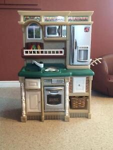 Kitchen set with all the accessories!!