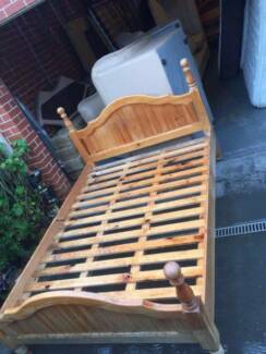 good used queen size bed frame with mattress , can delivery at ex