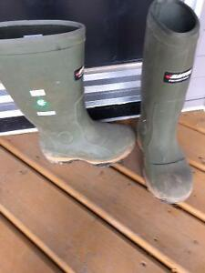 Csa approved baffin steeled toed rubber boots