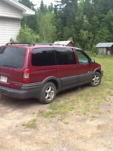 2004 Pontiac Montana Minivan, Van