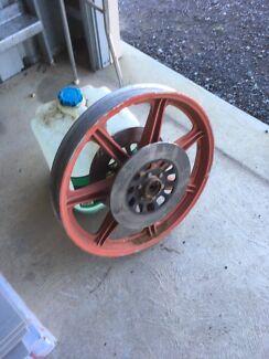 Xs750 wheels