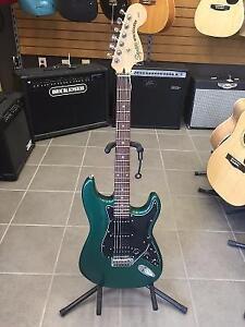 Guitare electrique SQUIER (B053873)