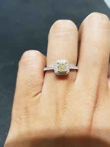 18K white gold fancy light yellow gold diamond engagement ring Oakville / Halton Region Toronto (GTA) image 3