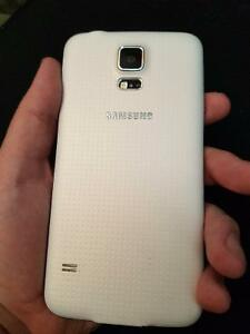 White Samsung Galaxy S5 FOR SALE!! Cambridge Kitchener Area image 2
