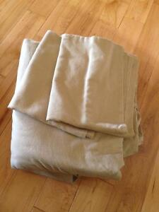 Cotton bed sheets queen green or beige 15$ each set