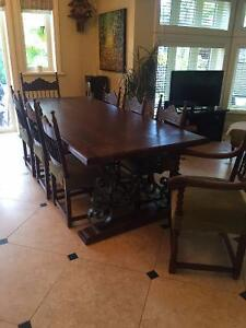 BEAUTIFUL ANTIQUE DINING TABLE SET - 8 CHAIRS