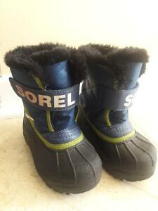 SLIPPER/SANDALS/BOOTS/SHOES FOR TODDLER SIZE8-9 Kitchener / Waterloo Kitchener Area image 3