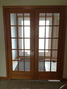 Portes en chêne vitrées