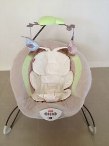 Fisher price snugabunny deluxe bouncer great condition!