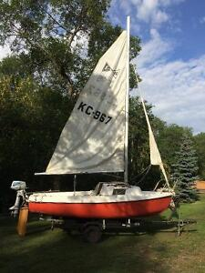 DS 16 Sailboat