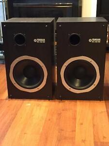 speaker / haut-parleur / colonne de son