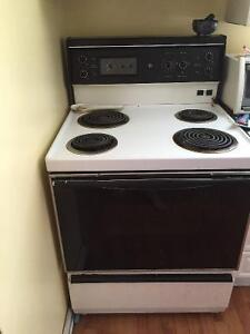 Free fridge and stove needs to picked up today