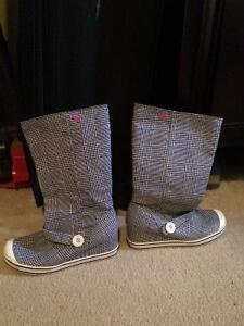 Roxy wedge boots size 7 St. John's Newfoundland image 1