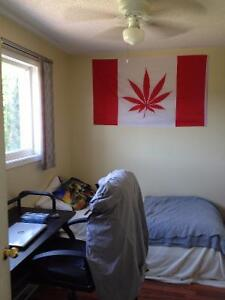 Fanshawe students rental:12-month lease, Sept.1st, all inclusiv