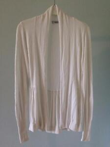 6 Pink and White Tops, Good Condition Comox / Courtenay / Cumberland Comox Valley Area image 5