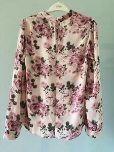 6 Pink and White Tops, Good Condition Comox / Courtenay / Cumberland Comox Valley Area image 4