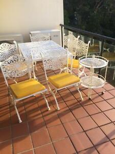 Cast Iron Outdoor table and chairs Sylvania Sutherland Area Preview