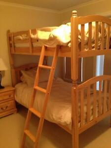 Solid wood twin/twin bunk beds with matresses