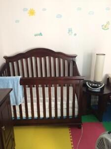 Furniture and complete accessories for a nursery 1 to 9 seats