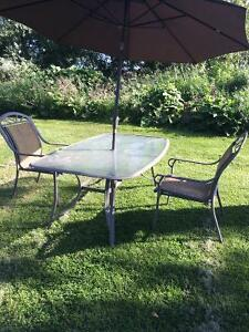 Umbrella buy or sell patio garden furniture in for Outdoor furniture kijiji