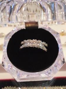 #1129 10K Beautiful custom made ladies ring size 6 1/2!!