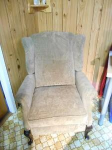 Fauteuil de style antique, inclinable