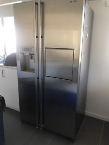 Samsung double door fridge/freezer