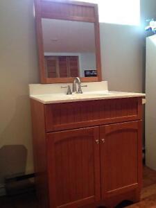 Vanité salle de bain et miroir