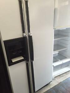 White Fridge Side By Side Ice and Water Excellent Condition