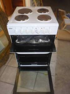 CHEF upright Stove with 4 Hot Plates - fully operational Woolgoolga Coffs Harbour Area Preview