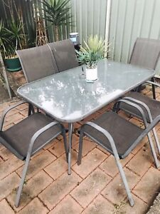 6 seater good deal Lethbridge Park Blacktown Area Preview
