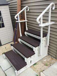Pool or hot tub stairs