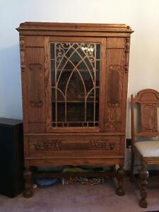 Antique dining room set - mint condition - needs to go!