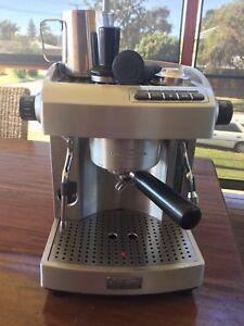 Sunbeam em6910 coffee machine in newcastle region nsw gumtree sunbeam cafe series coffee machine fandeluxe Images