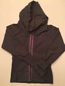 Lululemon Corset Jacket Size 6 in Brand New Condition