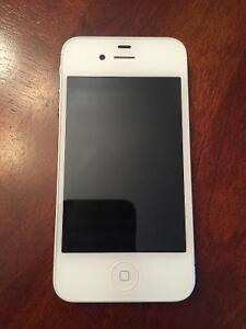 iPhone 4s 16 gig - white - with Bell
