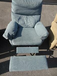 3 Fully Reclining Rocking Chairs Peterborough Peterborough Area image 4