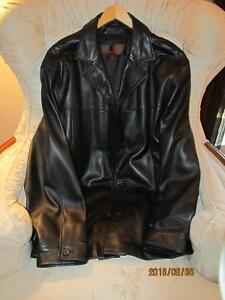 Brand New Men's xl LEATHER Coat by Danier