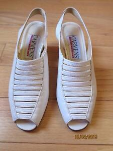 Women sandals white leather size 7.5