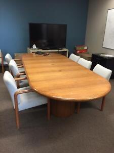 Table de conference en chene/ Solid Oak conference table