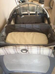 Graco Pack N Play $100.00 OBO Cambridge Kitchener Area image 3