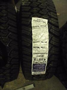 """LT235-75-15 COMMERCIAL TRACTION T/A """"NEUF""""/""""NEW"""""""