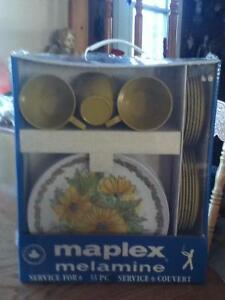 set de vaisselles Melmac Maplex
