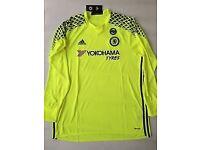 Chelsea Goalkeeper Shirt & Shorts 2016/17