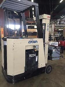 CROWN DOCK STOCKER - 35RCTT-S 3500lb capacity MM313