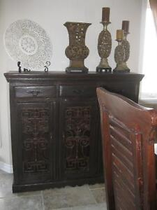 Artemano antique style solid wood hutch