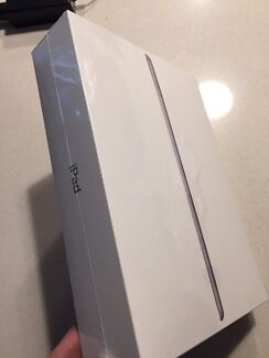 iPad 5th Generation 128GB WiFi + Cellular