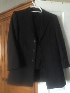 Boys fifth avenue suit size 16