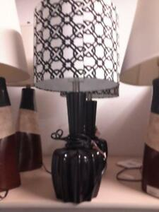 *** NEW *** ASHLEY SHARITEY TABLE LAMP (2/CN)   S/N:51290316   #STORE943